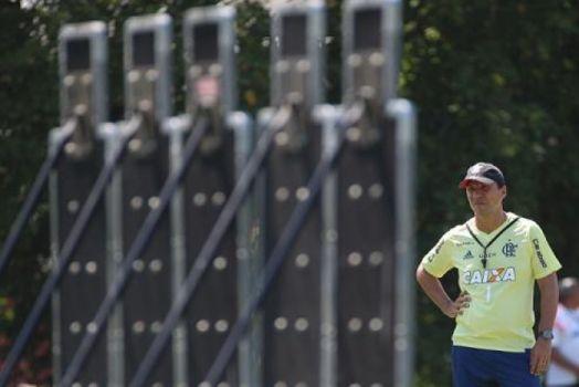 Desafio: Zé Ricardo tem só um dia com titulares para corrigir erros antes da Libertadores