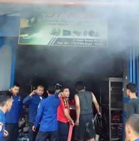 Toko Aksesoris Mobil Di Jalan Bonjol Terbakar | Binjai City