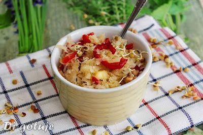 Di gotuje: Surówka z kiszonej kapusty z ogórkiem konserwowym ...