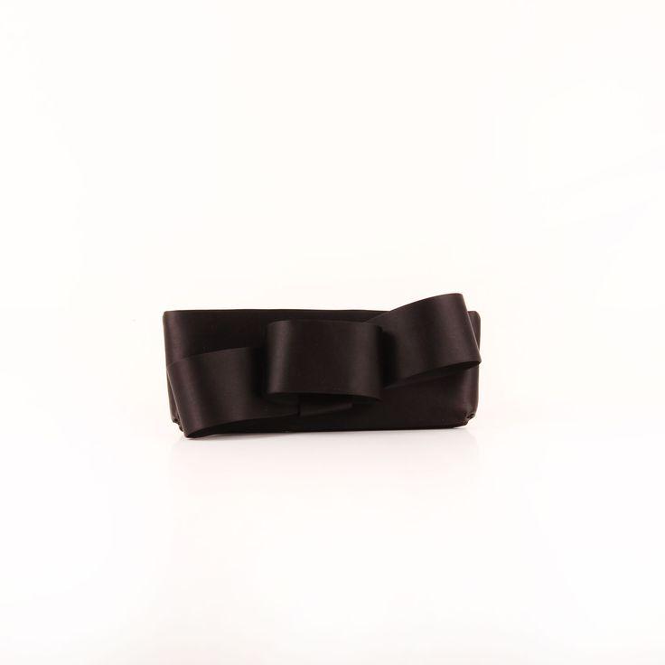 Valentino. Satin Loop Bow Clutch Black.