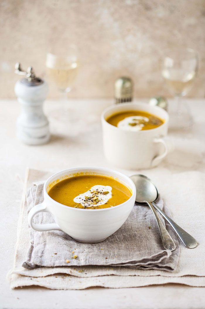 carrot and coriander soup with cumin and orange//