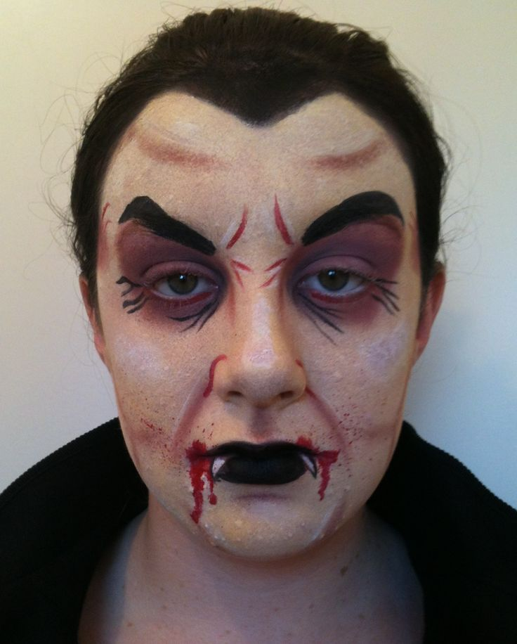 dracula face paint - Halloween Easy Face Painting