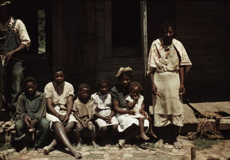 Old 1940s Family | ... with live fish for sale, vicinity of Natchitoches, Louisiana, 1940