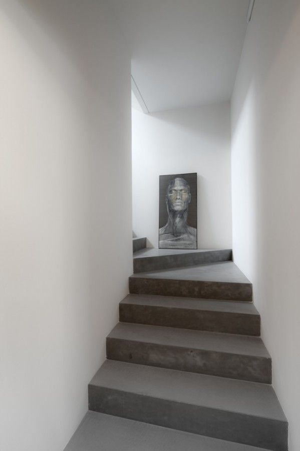 :: STAIRS :: INTERIOR :: Interior stairs of Casa x5 by mzc Architettura, love the simple concrete stairs complimented by white walls #stairs
