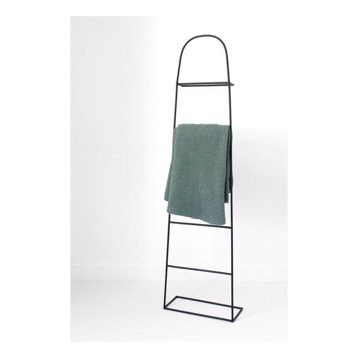 die besten 25 kleiderst nder metall ideen auf pinterest hut und kleiderst nder b cherregal. Black Bedroom Furniture Sets. Home Design Ideas