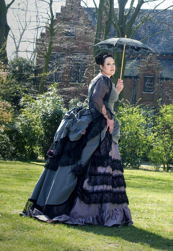 Victorian Bustle Gowns Gothic victorian bustle gownVictorian Bustle Gowns