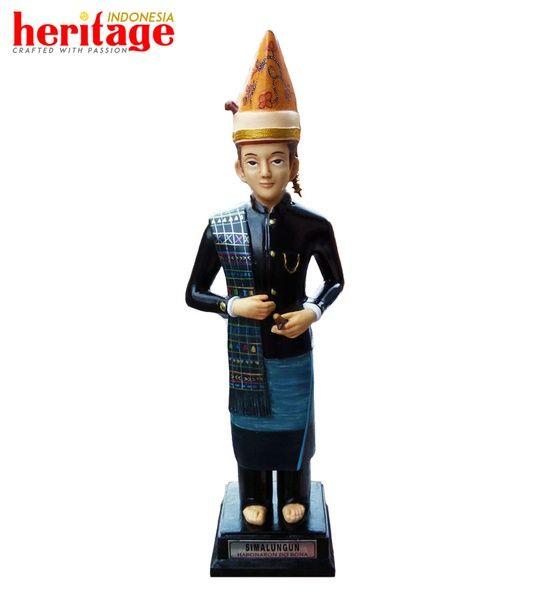 Patung Pakaian Adat Simalungun Pria