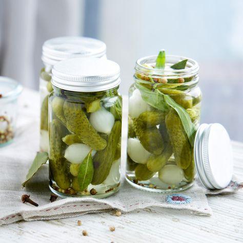 Découvrez la recette Bocaux de cornichons aigre-doux sur cuisineactuelle.fr.