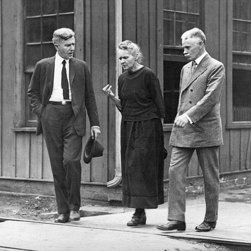 Marie Curie – with her hands becoming deformed radiation poisoning marie curie - Google Search
