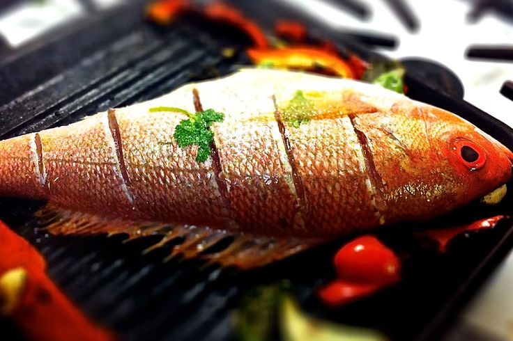 Eğer balık pişirmenin püf noktaları nelerdir bilirseniz, balıkla birlikte parmaklarınızı da yersiniz.