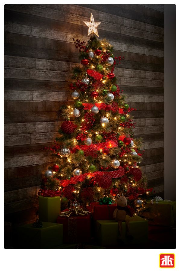 Short On Space This Half Tree Is The Perfect Solution Wall Christmas Tree Christmas Tree Tree