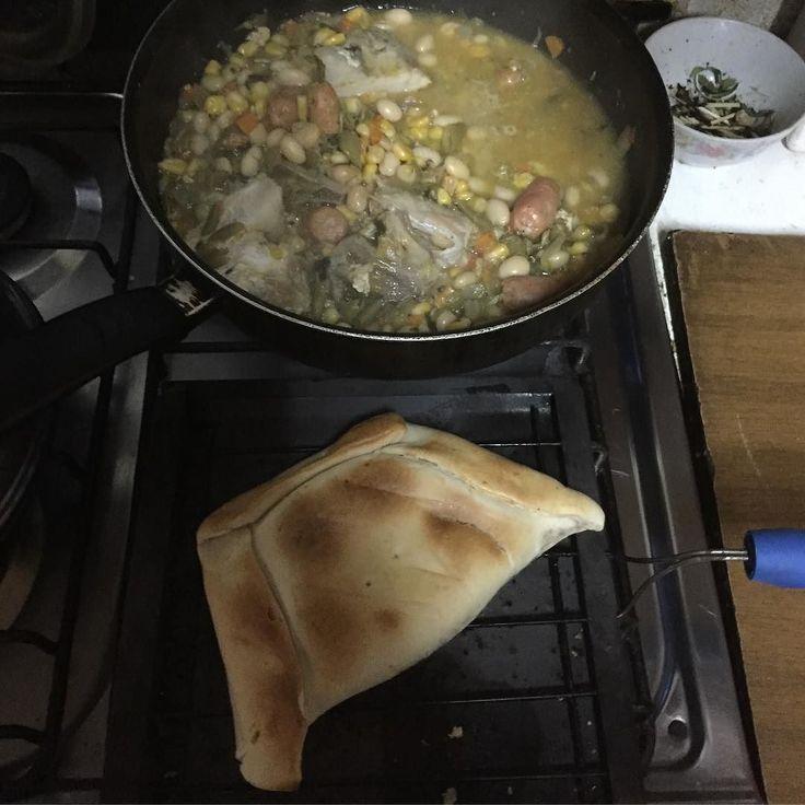 Cuando almuerzas donde tu mamá y te dice que es algo poco #watitallenacorazoncontento #tomandotetita