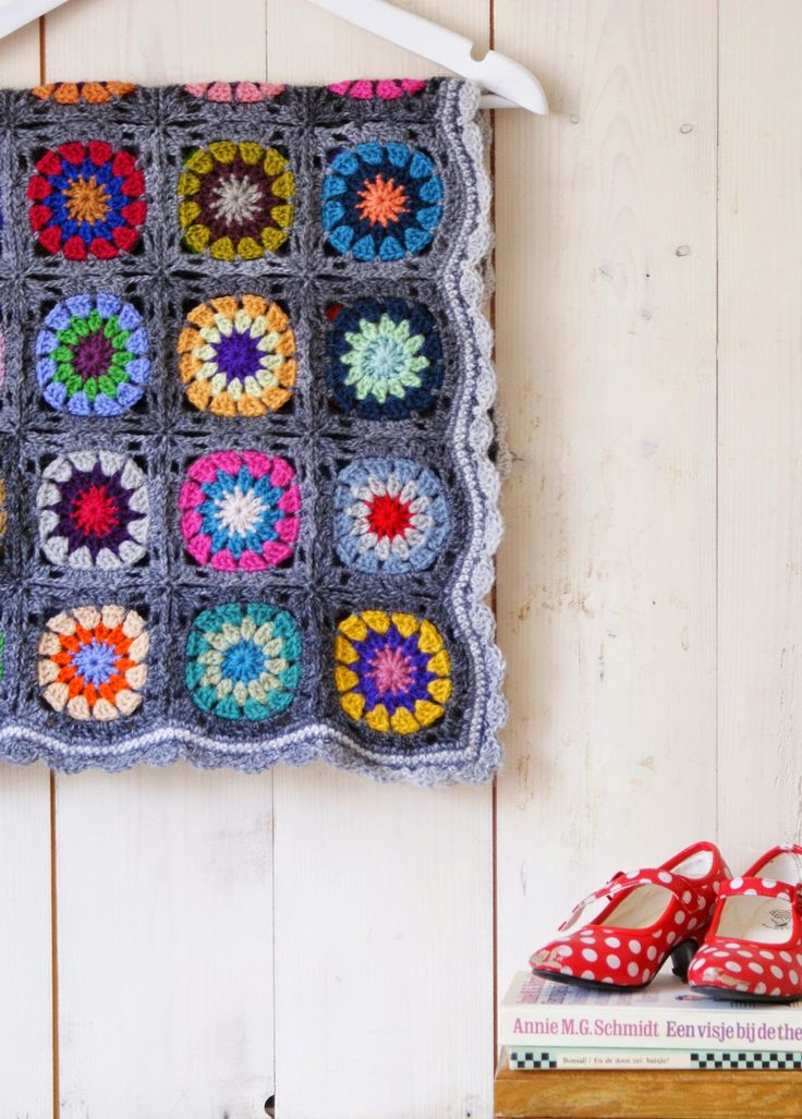 @ dutch sisters: petite granny square blanket no 2.