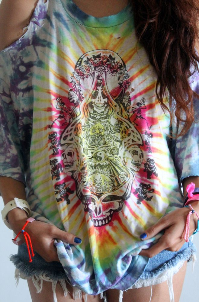 I normally hate tie-dye, but this is great