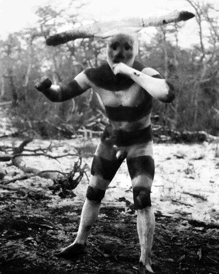 Halaháches (Kótaix para los hombres), personificado en el Hain de 1923.... Una mágica historia.  Yikwa ni selk'nam - Nosotros somos los selk'nam.  www.selkn.cl   #selknam #halaháches #tierradelfuego #selkn #outdoor