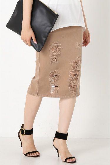 MARCOBOLOGNA ダメージタイトスカート  MARCOBOLOGNA ダメージタイトスカート 33480 カジュアルトップスに女性らしさをプラスしてくれるタイトスカート 柔らかい印象のベージュとダメージ加工が新鮮な1着 今からシンプルにTシャツと合わせて秋冬はボリュームニットやタートルネックニットとのスタイリングも楽しめるスカートです 取り扱いについては商品についている洗濯表示にてご確認下さい 店頭及び屋外での撮影画像は光の当たり具合で色味が違って見える場合があります 商品の色味はスタジオ撮影の画像をご参照下さい モデルサイズ:身長:165cm バスト:73cm ウェスト:58cm ヒップ:85cm 着用サイズ:36