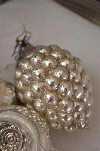 Antique mercury glass grapes Christmas ornament.  Linprobable coup de Coeur