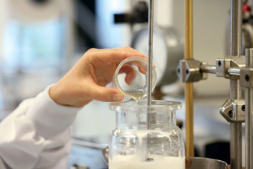 Creating the Nutritive Végétale formula from the Manna Ash Concentrate.