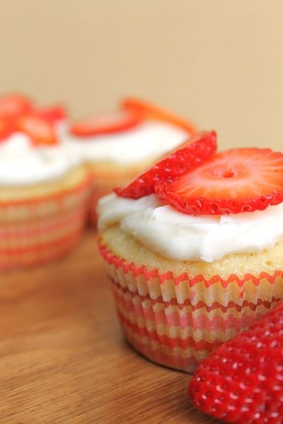 Strawberry Cream Cheese Cupcakes