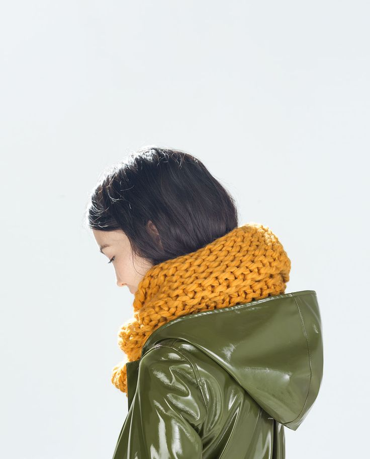Image 2 of THICK KNIT SNOOD from Zara