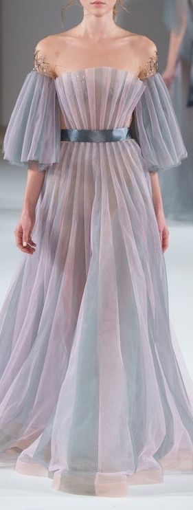 *.* Yulia Yanina Spring 2016 - dress has a sea feel about it. The shape reminds me of a scallop shell.