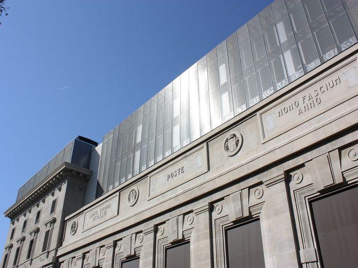FERRANTE APORTI - L'edificio, di indiscusso valore architettonico, severo e monumentale, risalente agli anni 30, grazie all'intervento dello Studio Citterio & Parteners, acquisterà un nuovo aspetto, dove la tela metallica R&R, posta all'ultimo piano dello stesso palazzo, donerà alla facciata una lettura moderna pur mantenendo il rigore di un edificio storico. (More Info: http://m.ttmrossi.it) #Design #Architecture #Metaldesign #TTMRossi #IdeaDesign #Inspiration #Products #project