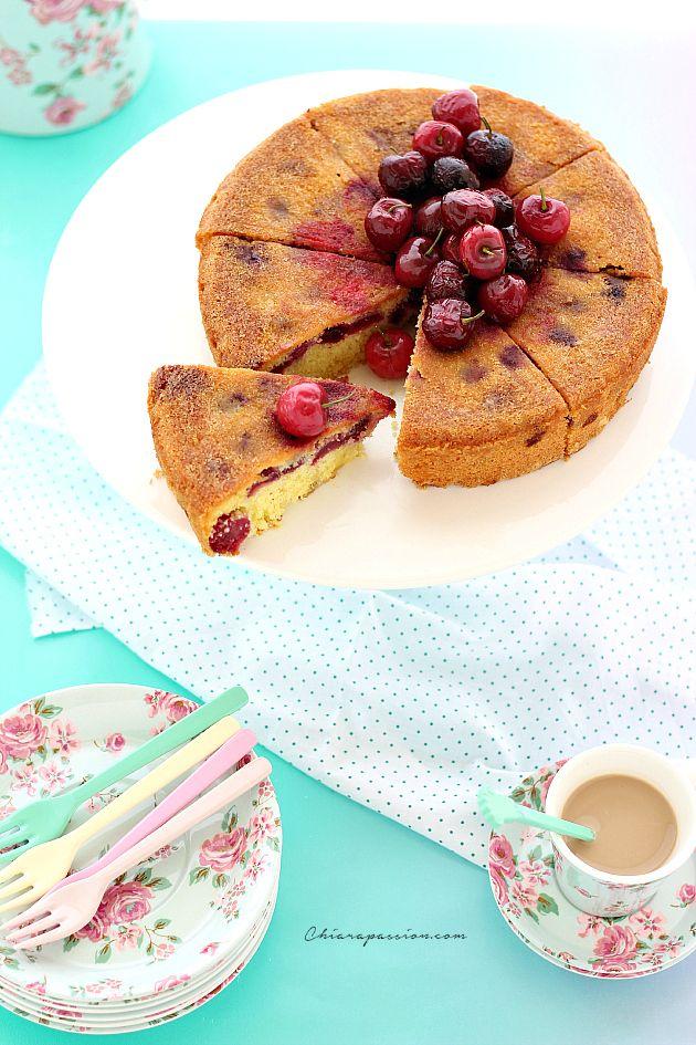Maggio tempo di ciliegie, cosa c'è di meglio di una bella Torta morbida con le ciliegie per gustare questo frutto di stagione? Questa ricetta,oltre ad essere veloce e facile da fare, è di un buono pazzesco, una torta morbidissima, soffice e profumata. E' un impasto base che faccio spesso usando l