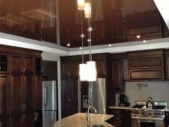 Натяжной потолок на кухне (39 фото): выбираем правильно http://happymodern.ru/natyazhnoj-potolok-na-kuxne-35-foto-vybiraem-pravilno/ 6