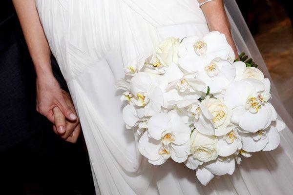 Já disse aqui no blog que sou apaixonada por orquídeas ?Além de nobre, a orquídea traz um toque de sofisticação ao bouquet de noiva.  Outro ponto positivo é o fato de que é uma flor que tem grande durabilidade, o que garante um bouquet supe