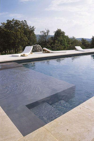 piscine avec carrelage beige , jardin d'olivier