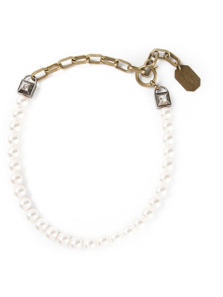 Colar com esferas peroladas branco, Lanvin. Possui correntes grossas e fecho de encaixe. Veja http://www.colares.com/bijoux/perolas/colar-com-esferas-peroladas-4731100169619715/