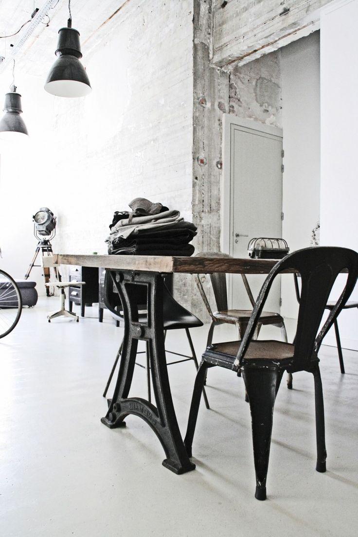 Jason Hering's Loft by Renee Arns Stylist (11)