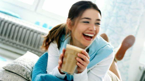 Zaczynasz dzień od kubka kawy? Sprawdź, jakie korzyści z tego płyną