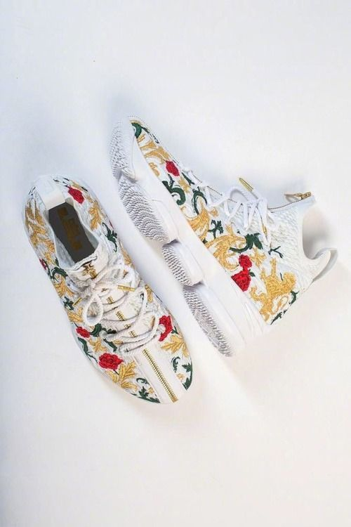 http://SneakersCartel.com KITH x LBJ XV #sneakers #shoes #kicks #jordan #lebron #nba #nike #adidas #reebok #airjordan #sneakerhead #fashion #sneakerscartel https://www.sneakerscartel.com/kith-x-lbj-xv/