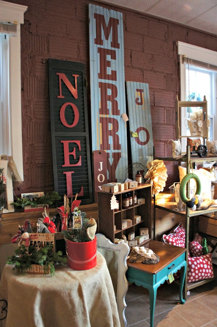 Whimsical Perspective: My Booth - Christmas in the Alley.....styling ideas