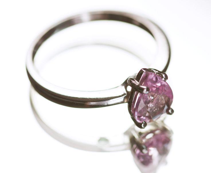 Anel de noivado com Topázio Rosa. Mama Coca Sob Medida. Pink Topaz engagement ring .Mama Coca Custom-made. www.mamacoca.com.br