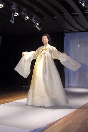 22 best hanbok images on pinterest asian fashion beautiful and lee young hee fashion show flushing ny may 8 2008 sciox Image collections