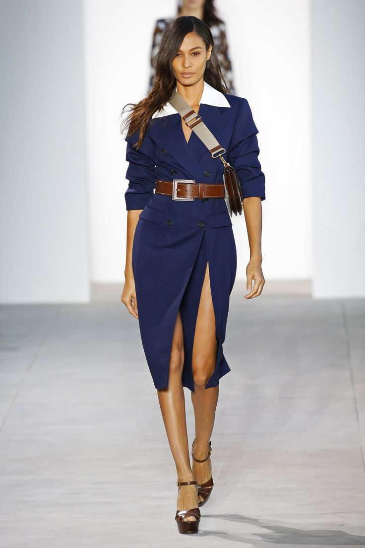 Michael Kors | Ready-to-Wear Spring 2017 | Look 1 on Joan Smalls