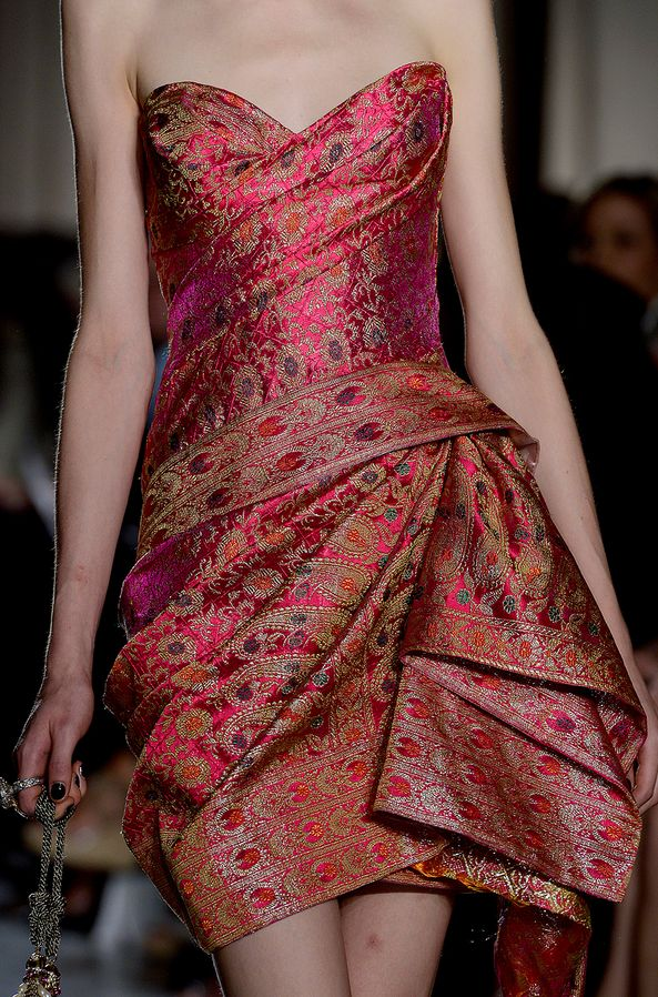 Marchesa NYFW Spring 2013 RTW loving the 'sarung'