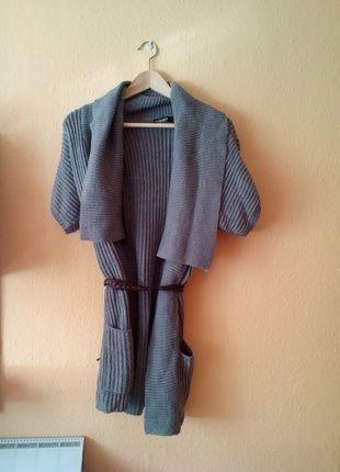 Kupuj mé předměty na #vinted http://www.vinted.cz/damske-obleceni/cardigany/6963874-sedy-dlouhy-svetrik-cardigan