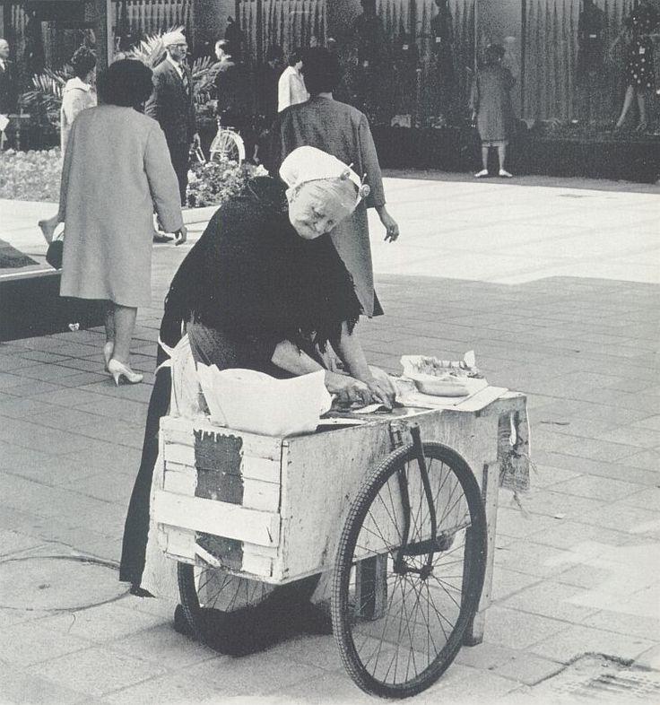 Vrouw uit Scheveningen.