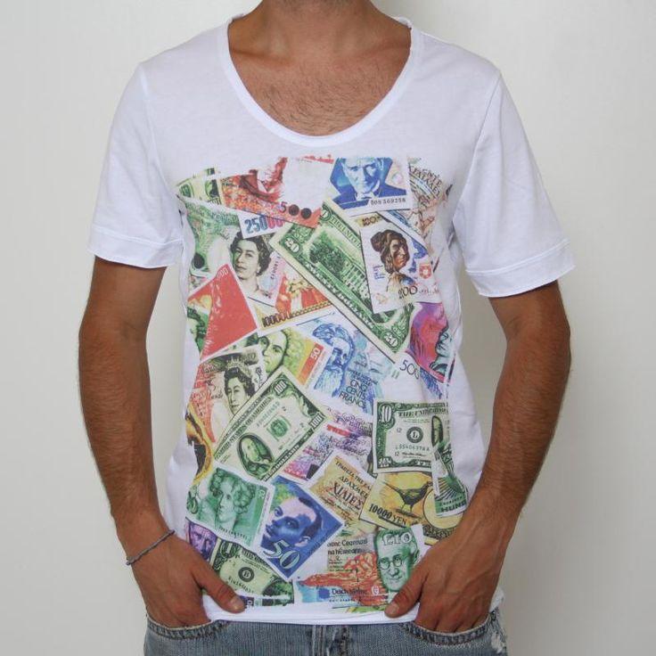 T-shirt Imperial - MVU3JCLA - Digit. Dollaro  T-shirt Imperial, manica corta, ampio girocollo, stampa frontale effetto vintage raffigurante banconote americane, finiture a taglio vivo, vestibilità regular. Comp.: 100% cotone Dettagli: lavare a 30°.