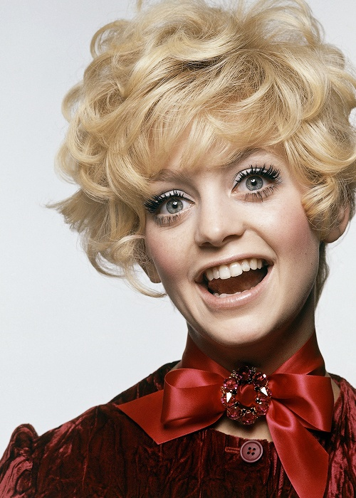 Goldie Hawn, 1969. She reminds me of my mum when she was young!!