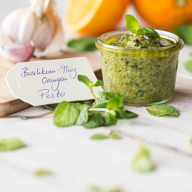 Auf Pasta, Brot oder als Dip.  Die Walnüsse verleihen dem erfrischenden Pesto zusätzlich eine besondere Note.
