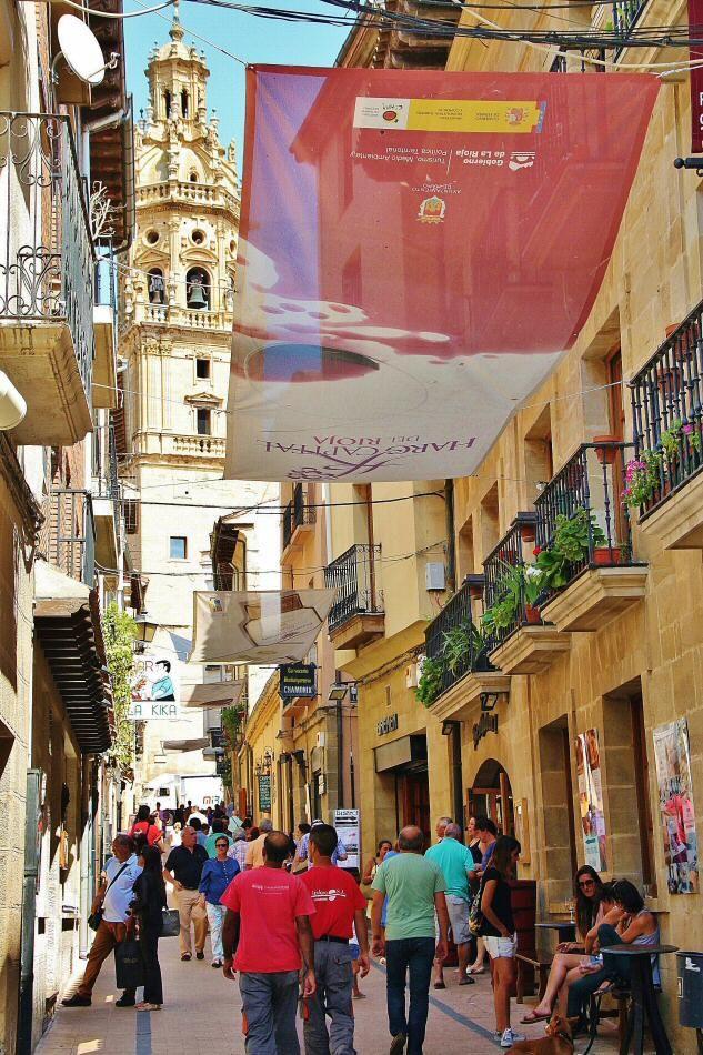 Vinos y tapas en La Herradura de Haro en La Rioja. To learn more about #Bilbao | #Rioja, click here: http://www.greatwinecapitals.com/capitals/bilbao-rioja