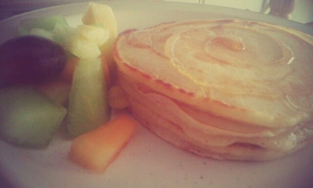Food- crumpets and fruit for breakfast.... was yum