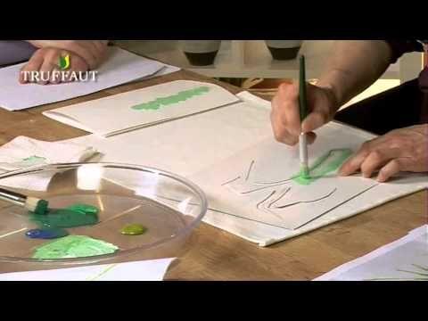 Apprenez la technique pour peindre sur du tissu et faire un transfert d'image sur du tissu grâce à cette vidéo pour réaliser une création textile unique!