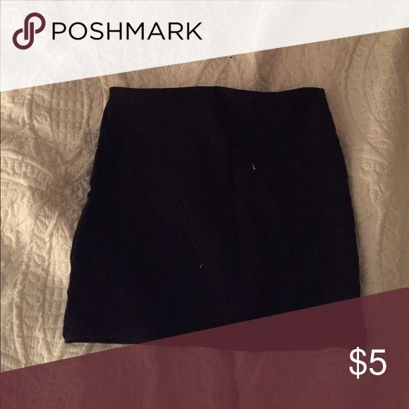 Tight black skirt Like new tight black skirt H&M Skirts Mini