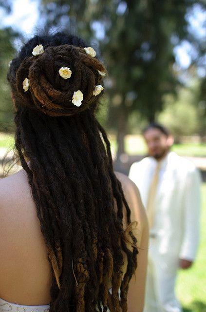 flower power #hairspiration: pin them in