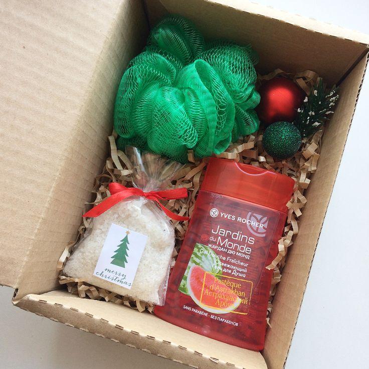 Подарочный набор -гель для душа -мочалка -соль для ванны -декор (+коробка) А так-же стильное наружное оформление 590₽ По всем вопросам и заказам direct / WA +7913-027-46-04 #подарочныйнабор #подарочныйбокс #боксвподарок #дляпраздника #box #giftbox #подарочныйбокс22 #барнаул #подаркибарнаул